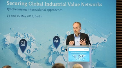 Frank Lubnau, Chief Digital Officer Industrie, Robert Bosch GmbH during his input