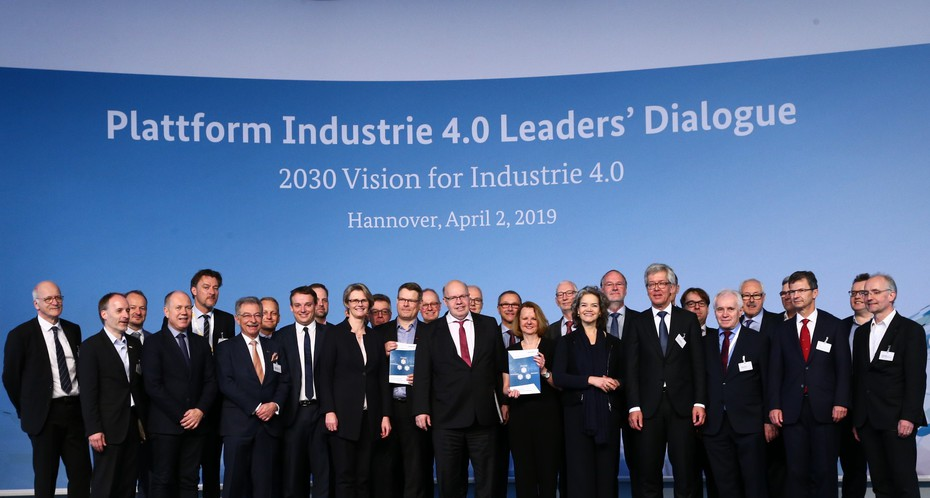 Group photo at the Leaders' Dialogue at Hannover Messe 2019