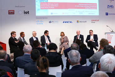 Panel with the heads of the working groups - Forum Industrie 4.0